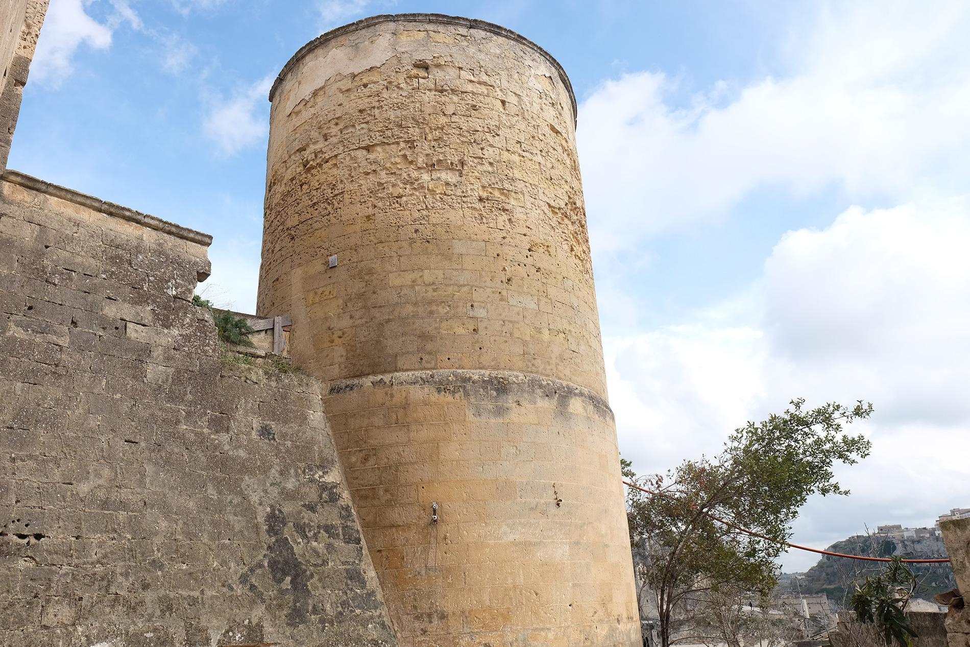 La torre del Museo di arte contemporanea a Matera - TAM